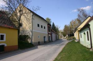 Königsbrunner Kellergasse