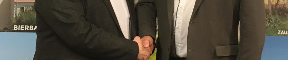 Handshake ...